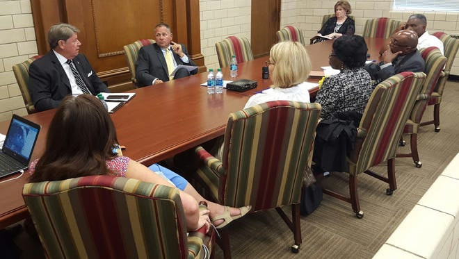 City Council ad hoc committee and MPS officials meet to discuss magnet school expansion on May 17, 2016.