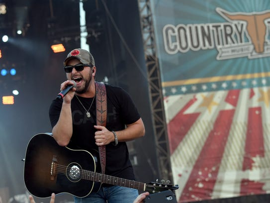 Singer/songwriter Tyler Farr will perform at the York