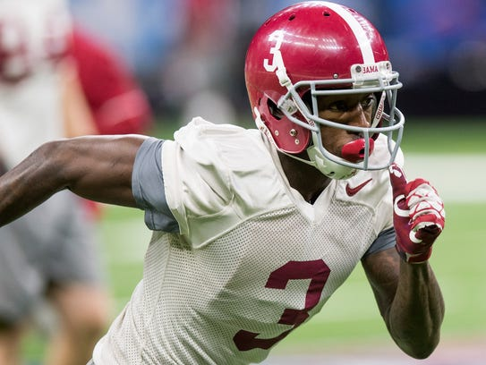Alabama wide receiver Calvin Ridley (3) during practice