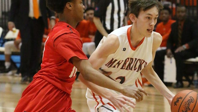 Mauldin's Grayson Reames, right, will play for the East boys team in Friday's PAA Senior Showcase at Greenville High School.