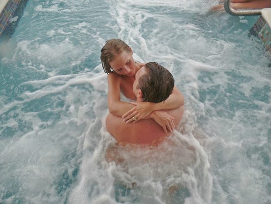 635954746493454400-Jamaica-Jacuzzi-time-at-Hedonism-credit-Hedonism-Resorts.jpg