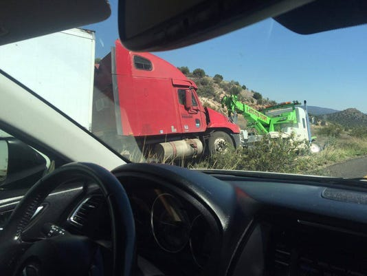 One dead after tractor-trailer collides with cars near Sedona