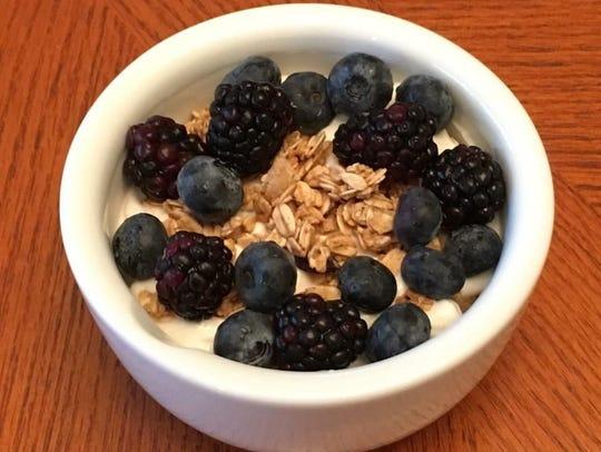 Plain Greek yogurt seasoned with cinnamon and honey,