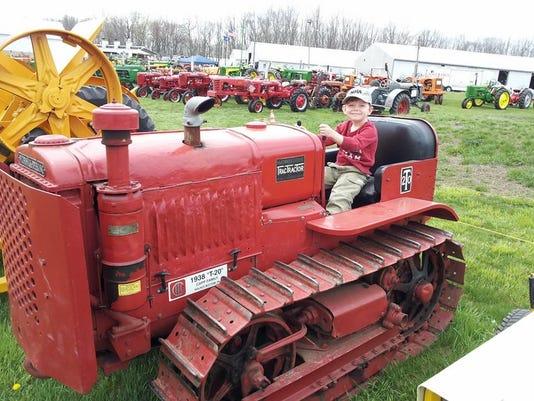 636060257451584624-tractor2.jpg