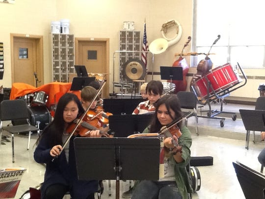 Instrument Petting Zoo with the Manitowoc Symphony