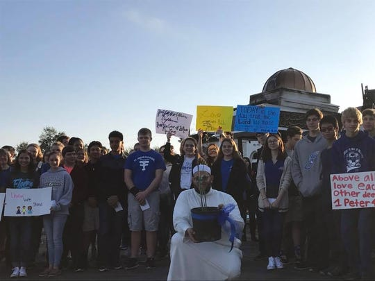The Muslim community in Victoria, Texas, has received