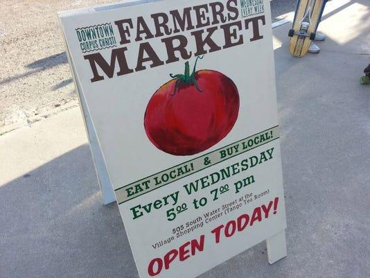 ccfe-FarmersMarket01.JPG