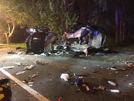 636304037644776810-overturned-wreck.jpg
