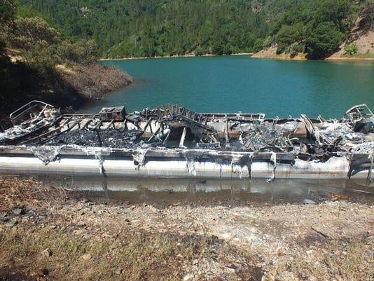 Shasta-Lake-Boat.jpg