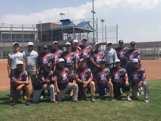 636340967270967172-SW-Outlaws-2017-Texas-State-Champs.JPG
