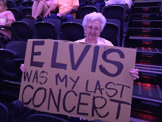 This sign caught Garth Brooks' attention on July 2