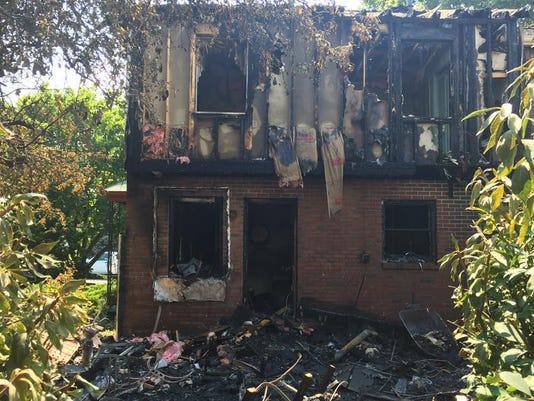 636372722755565843-Byers-Ave-fire.jpg