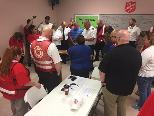 636398705786208126-Salvation-Army-relief-workers-in-Texas.jpg