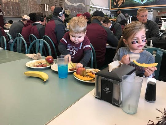 Troy Ross, 3, and his older sister Kennedy had brunch