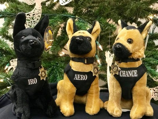 636488613109687985-Police-dogs.jpg
