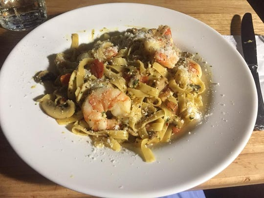 Tagliatelle con Scampi i Limone i Funghi from Billy Vee's Italian Restaurant in Calley Junction.
