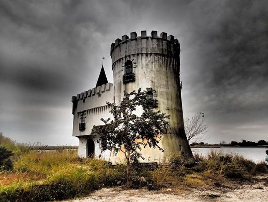 Irish Bayou Castle
