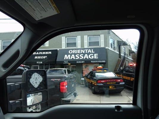 636564580925655528-Oriental-massage.jpg