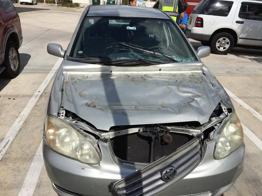636576911347144177-sl-bus-crash-0326-car.jpg