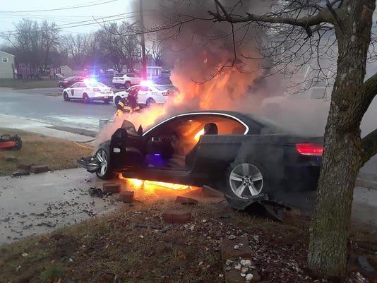 636579424814037523-Car-fire-4.jpg
