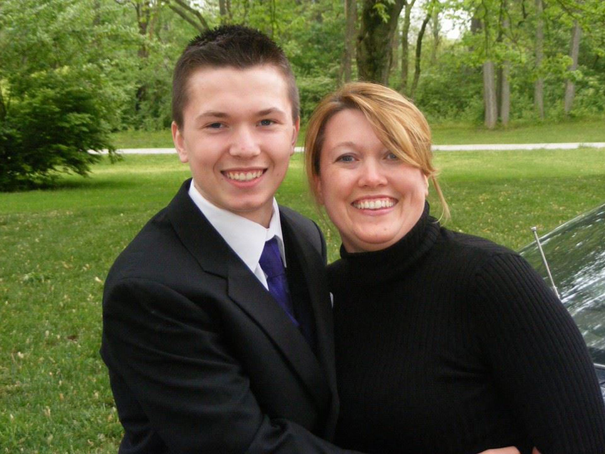 Justin Back with mom, Sandy Cates, before his high school prom.