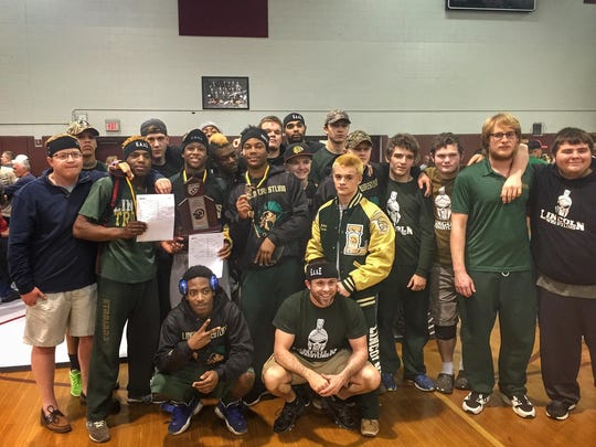 The Lincoln wrestling team captured a regional runner-up on Saturday.