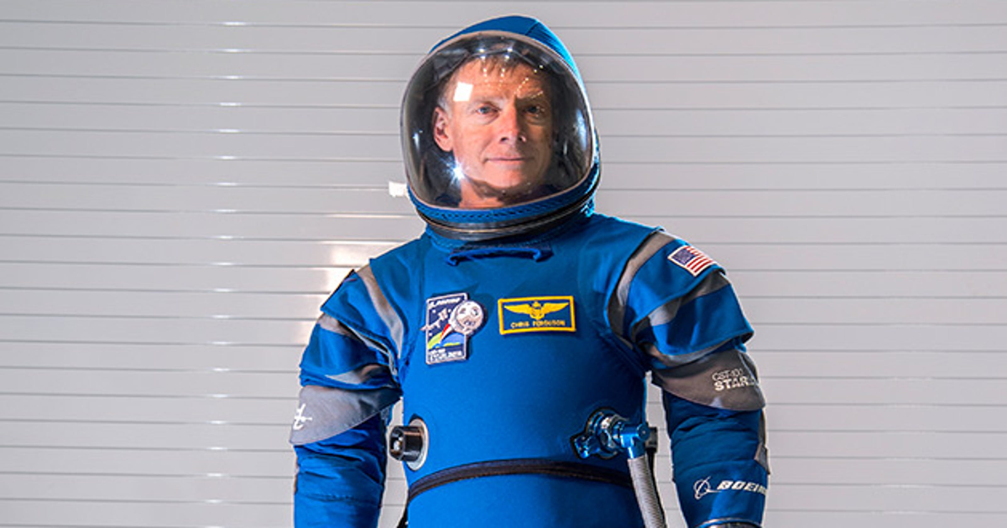 newest space suits - HD 1200×800