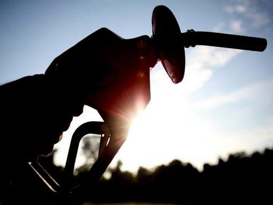 635561380811346907-gas-prices-3