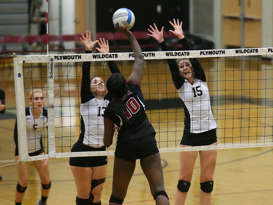 Plymouth's Daniella Barile and Lydia Bell rise for