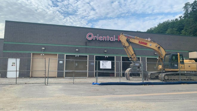 Hobby Lobby plans to open in Victor, in the back of the former Kmart at the former Oriental Rug Mart site. The chain will present its facade plans to the Victor Town Planning Board on July 28.