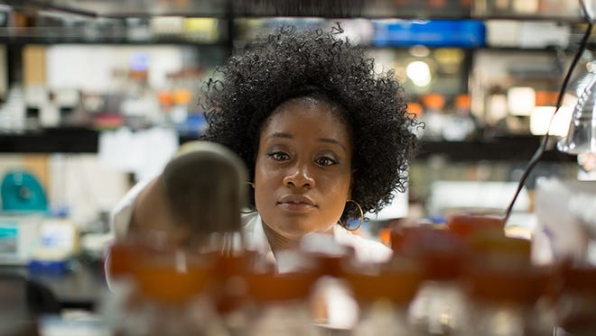 Diversity scholarship recipient Ciara Taylor in the lab at Middle Tennessee State University.