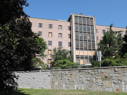 The exterior of the old United Hospital on Boston Post