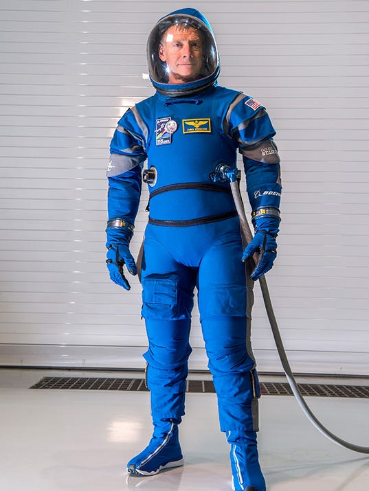 Boeing's futuristic new Starliner spacesuits feature ...