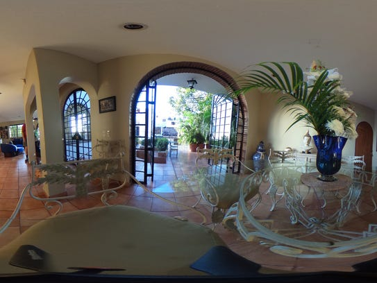 The living room of the Casa Amorita bed and breakfast