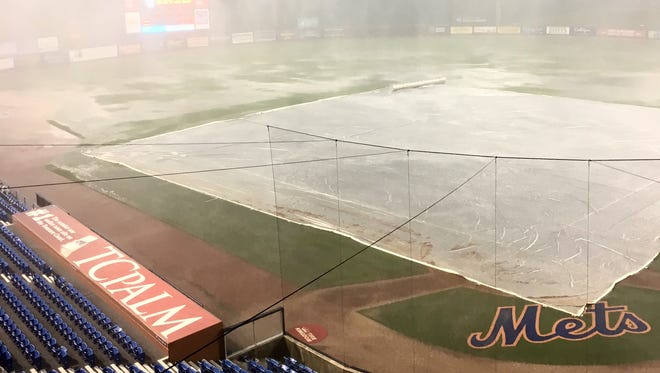 Tim Tebow's St. Lucie Mets debut was rained out on Tuesday.