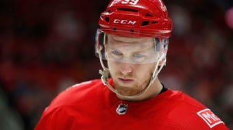 Detroit Red Wings forward Anthony Mantha discusses his communication with coach Jeff Blashill this season. Recorded Tuesday, April 10.