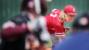 Rossview scored four runs in the first inning and never looked back, dropping Collierville 8-1 to advance at state.