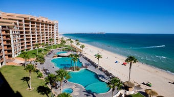 Puerto Peñasco's Sandy Beach, is a 3.5-mile stretch dotted with high-rise condo resorts, a few hotels and a couple of RV.