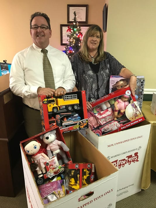 1122-ynsl-toys-for-tots.jpg