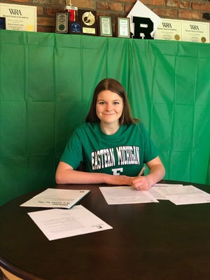 Hudson native Olivia Robinson, a 2020 Western Reserve Academy graduate, recently signed to become a member of the Eastern Michigan University women's rowing team.