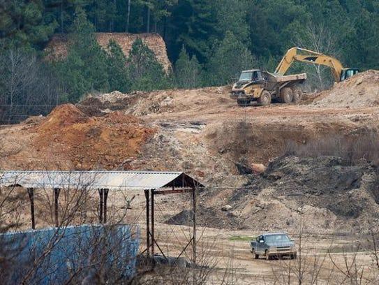 A controversial landfill in Camden, Tenn., has been