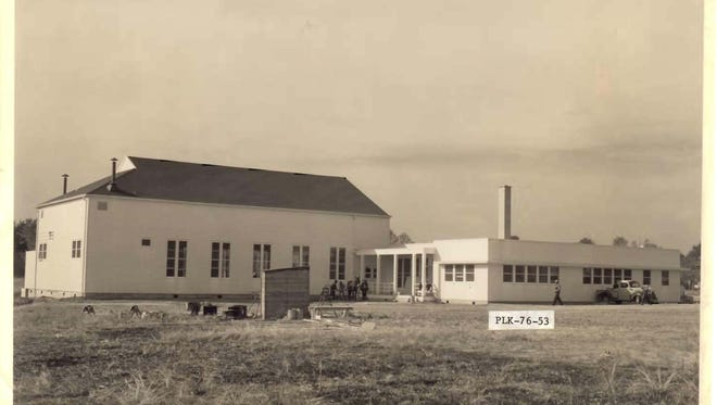 Historic view of DeRidder USO