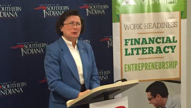 USI President Linda Bennett announces the 2017 Evansville Regional Business Hall of Fame laureates.