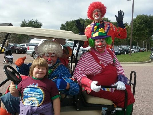 636113902828800486-Clowns2.jpg