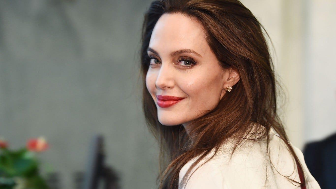 Angelina Jolie nudes (73 photos), Ass, Bikini, Twitter, legs 2015