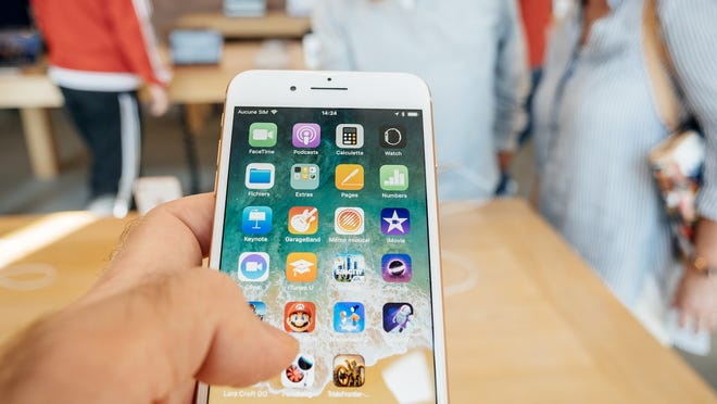 Now that Apple has crossed the $1 trillion mark, Loup Ventures analyst Gene Munster looks ahead to what is in store for the company and its investors.