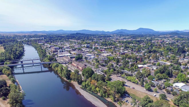 21. Corvallis, OR • Monthly transportation cost: $916 • Daily vehicle miles travelled: 13.4 per person • Avg. commute time: 19.2 minutes • Avg. cost of gas: $2.60 per gallon • Commuters biking or walking to work: 14.4%