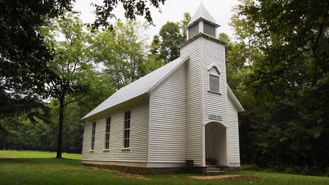 10. North Carolina   • Pct. evangelical:  24%   • 2013-2017 change, evangelical:  -6 percentage points   • Most common religion:  White Evangelical Protestant   • Fastest growing religion:  Unaffiliated, +4%   • Median household income:  $48,256
