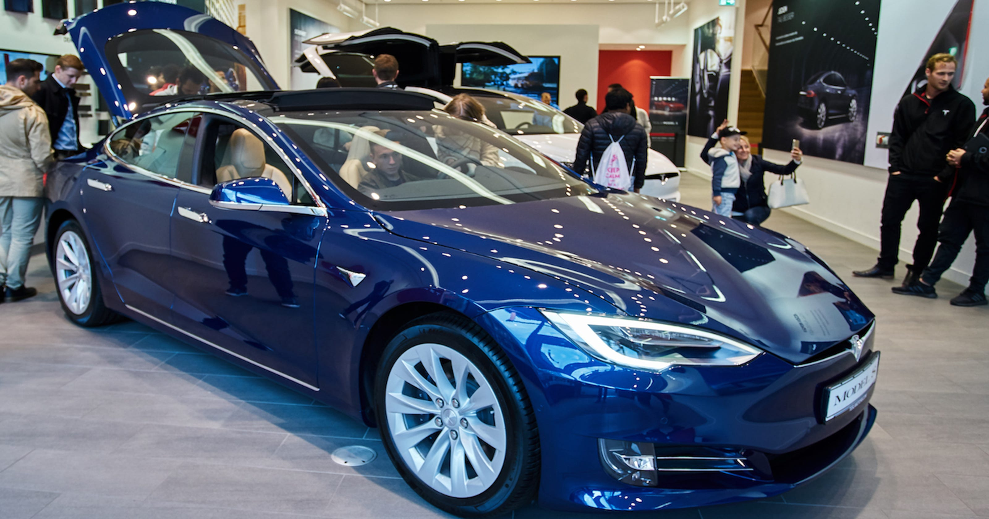 Tesla reliability falls in Consumer Reports survey