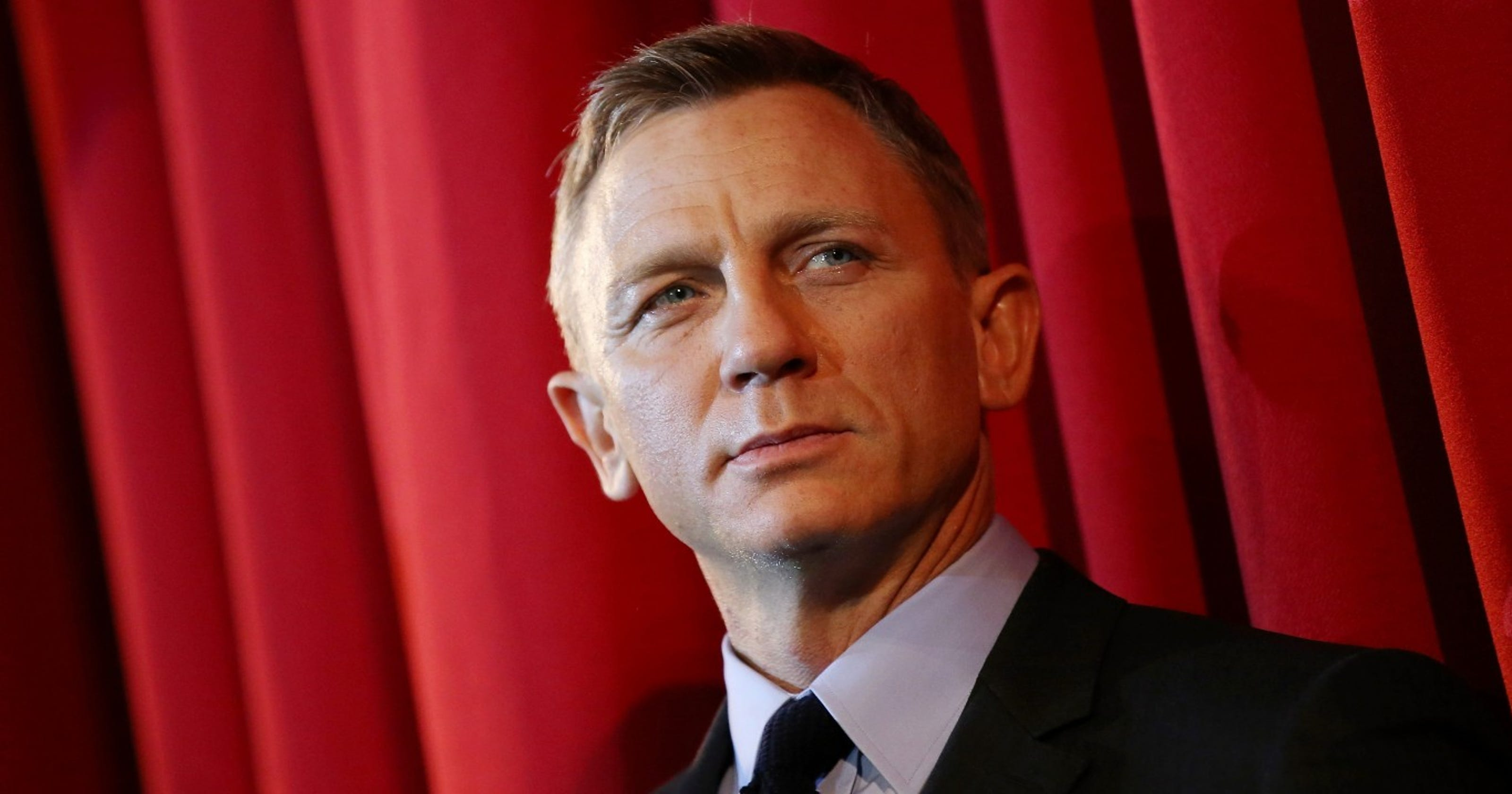 Daniel Craig is shaken and stirred by ankle injury, will have surgery
